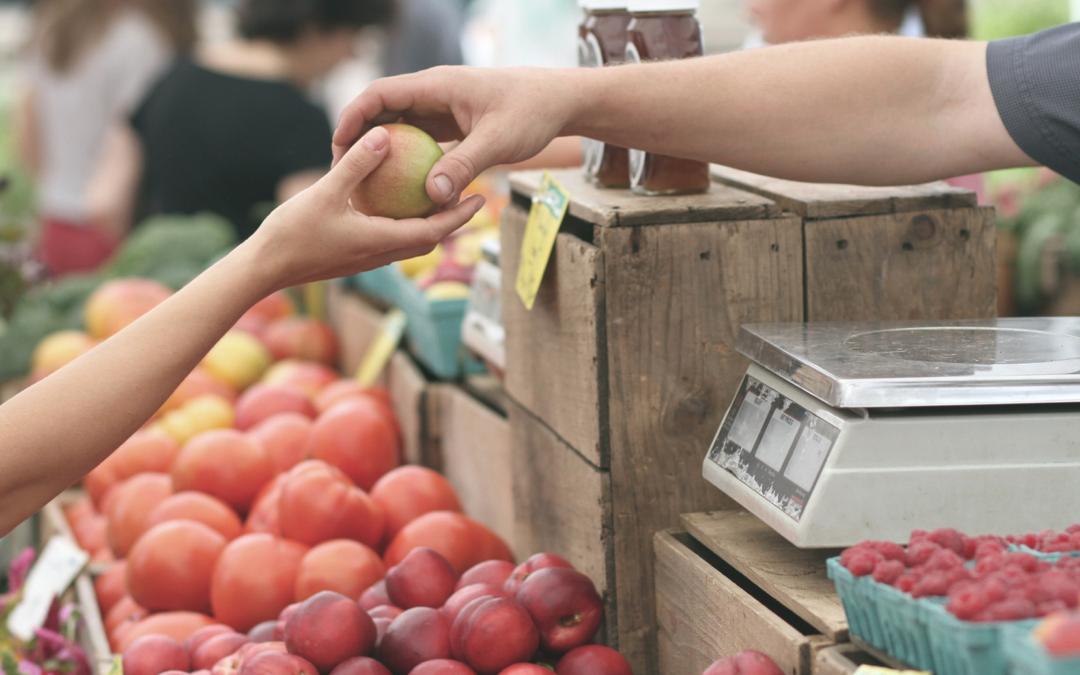 Hacer las compras en el comercio local tiene premio directo