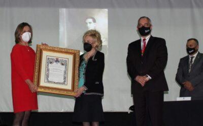 Celebrado el acto de entrega del Nombramiento de Hijo Adoptivo, a título póstumo, a D. Miguel Díaz-Llanos