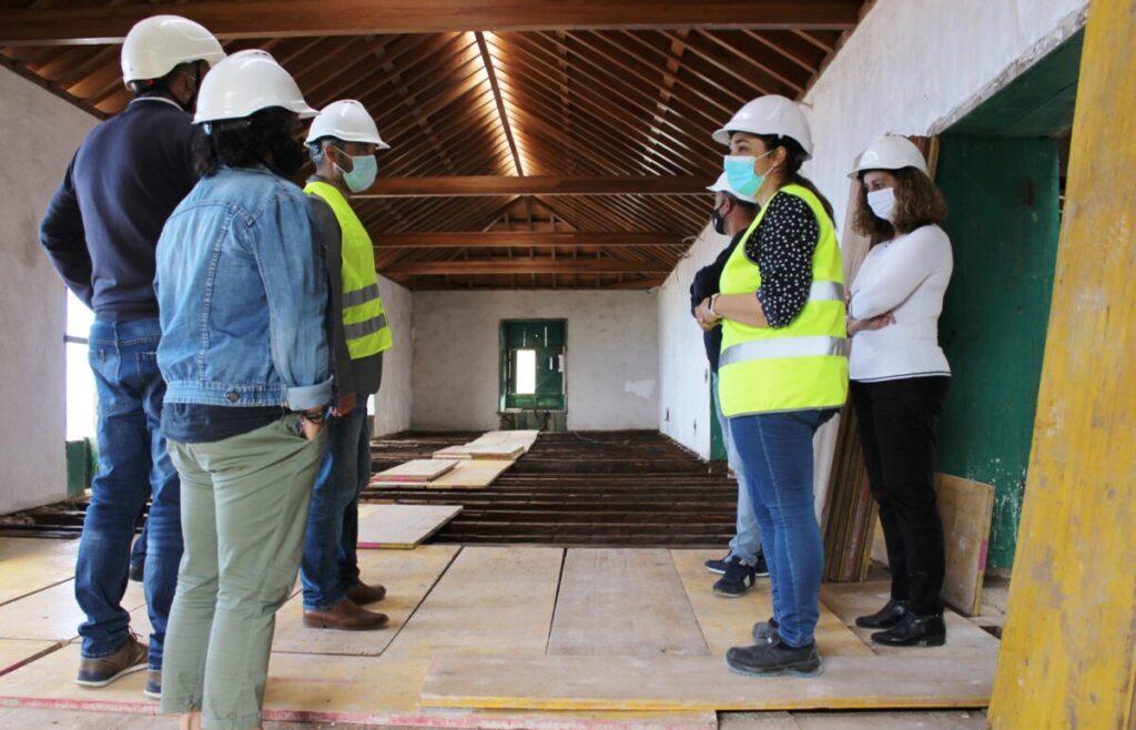 Los-ediles-y-la-encargada-de-la-obra-visitan-el-piso-superior