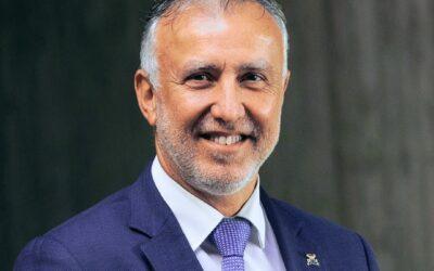 El presidente de Canarias, Ángel Víctor Torres, acepta formar parte del Comité del Centenario