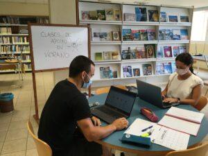Los-maestros-preparando-las-clases-de-verano