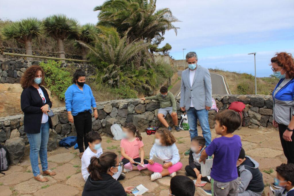El-Alcalde-y-concejalas-visitan-el-campo-base-de-Los-Lavaderos-La-Vera