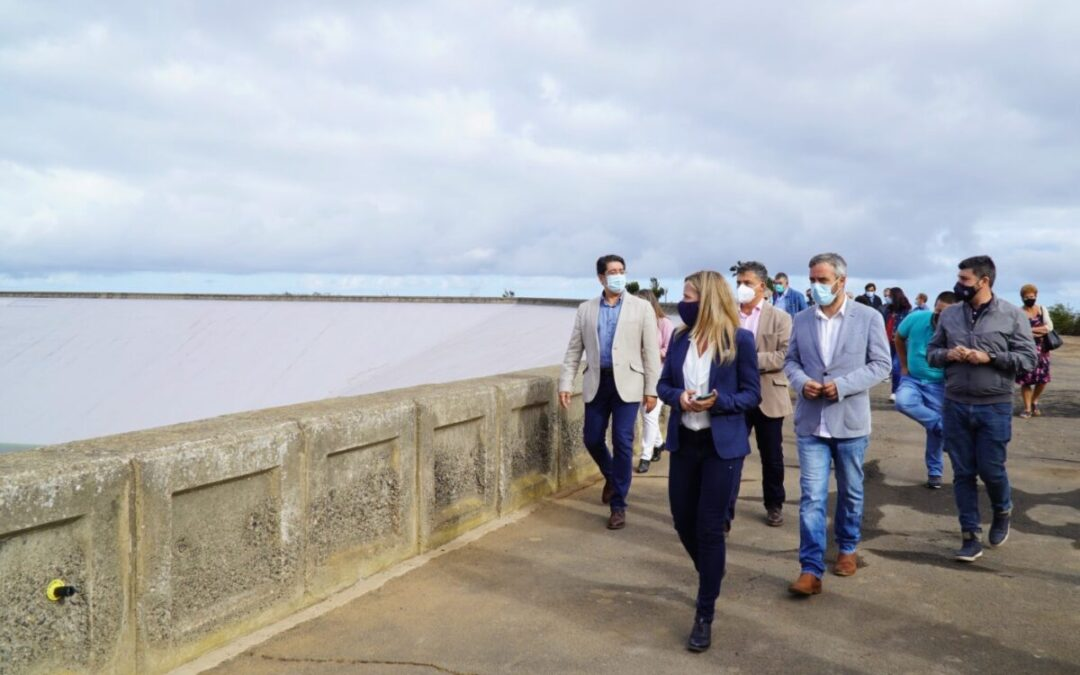La balsa de Llanos de Mesa dota de agua a más 420 agricultores del municipio
